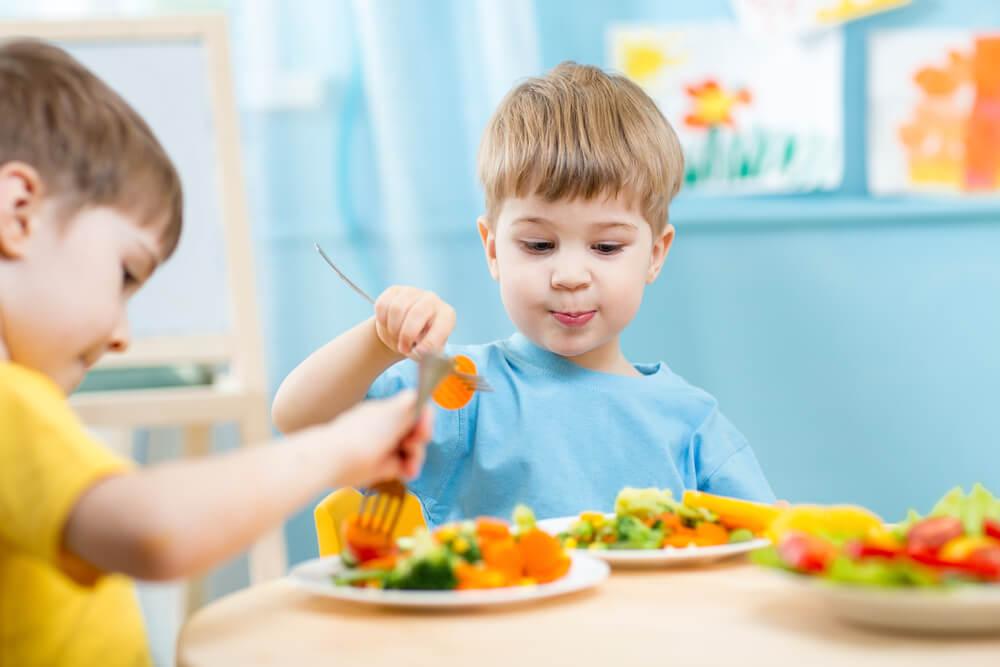 У дитини поганий апетит: чи варто панікувати і що з цим робити?