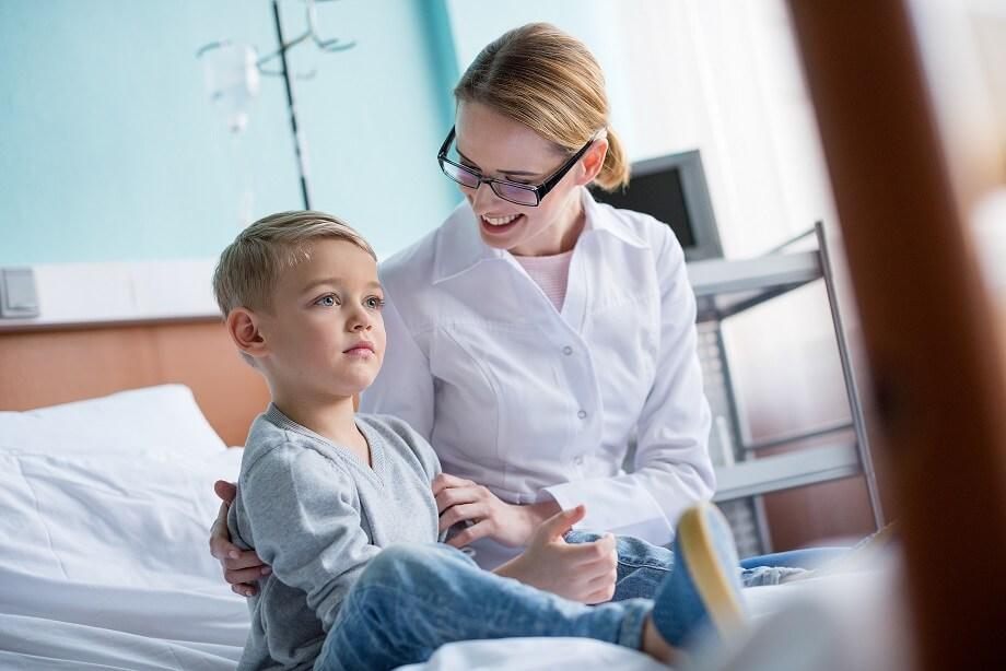 Синдром ацетонемічного блювання у дитини: причини, симптоми та наслідки